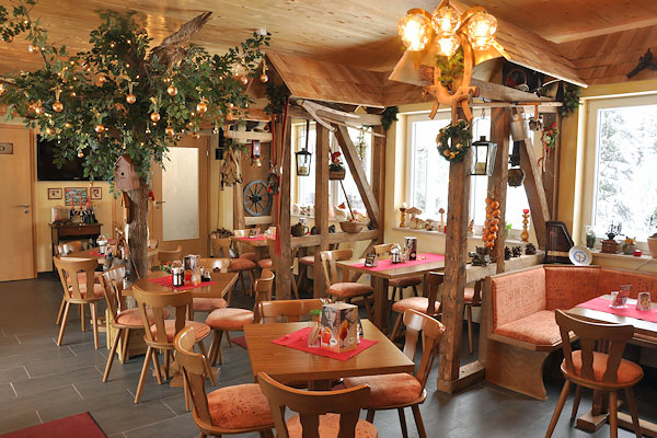 restaurant oberhof th ringer k che gut essen gastst tte waldschl sschen. Black Bedroom Furniture Sets. Home Design Ideas